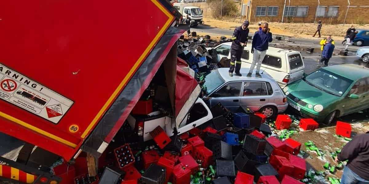 Beer truck loses its load in Krugersdorp
