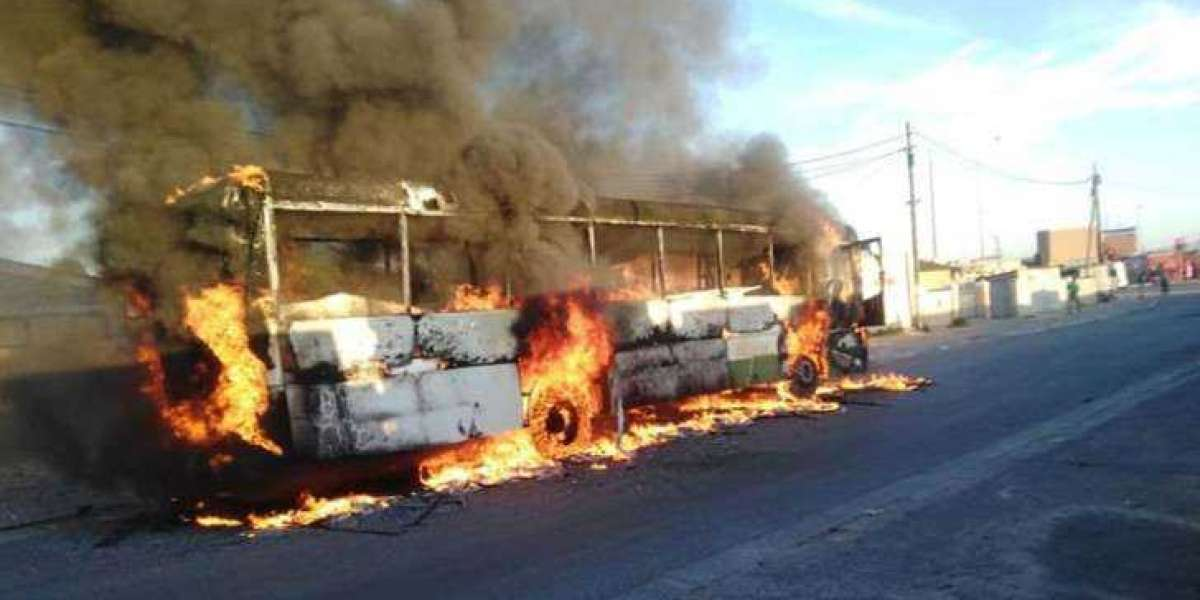 R200k reward offer for info linked to Khayelitsha bus torching
