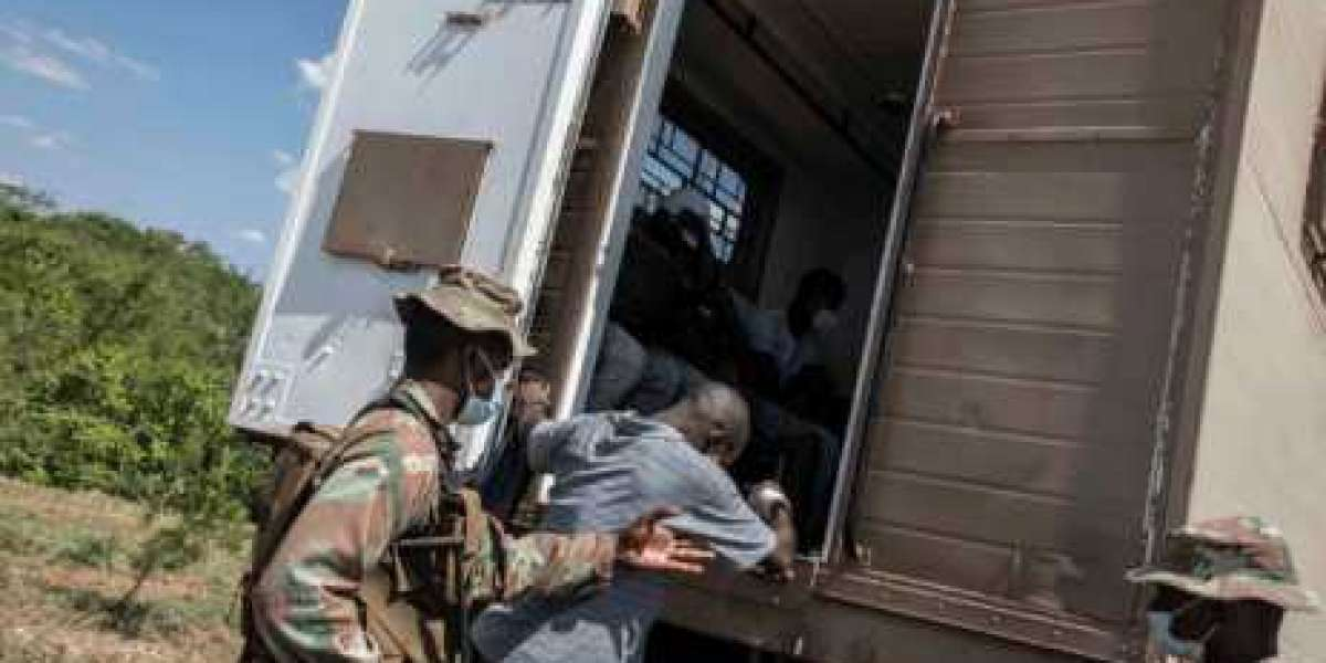 300 Mozambicans Deported After Trying To Enter South Africa Illegally