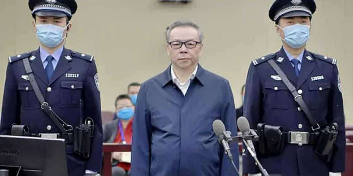 China sentences ex-banker to death for corruption, bribery