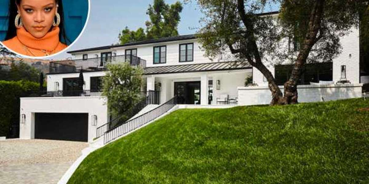 Rihanna buys mansion in Beverly Hills for $13.8 M