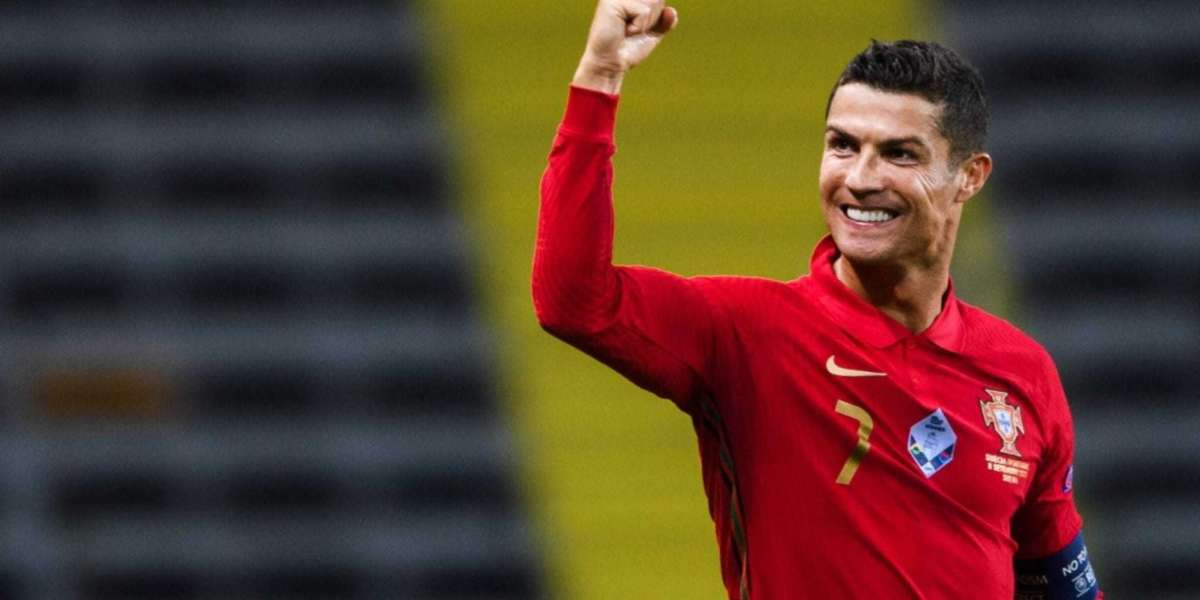 Manchester United lay out welcome mat to Cristiano Ronaldo