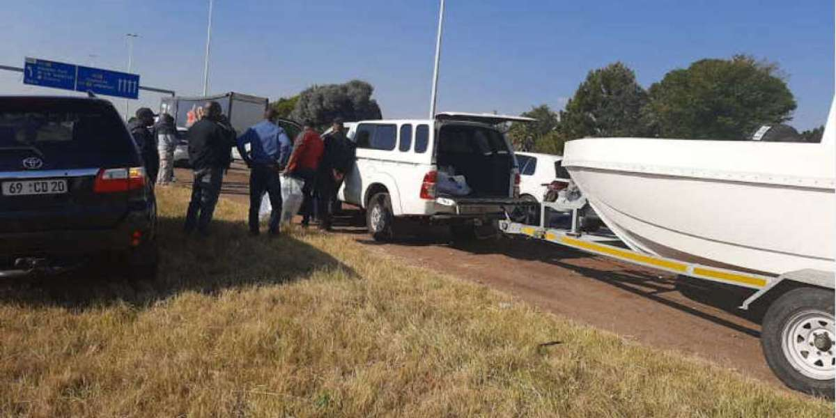 Police make arrests in case involving R400 million worth of drugs found in boat on N1 freeway