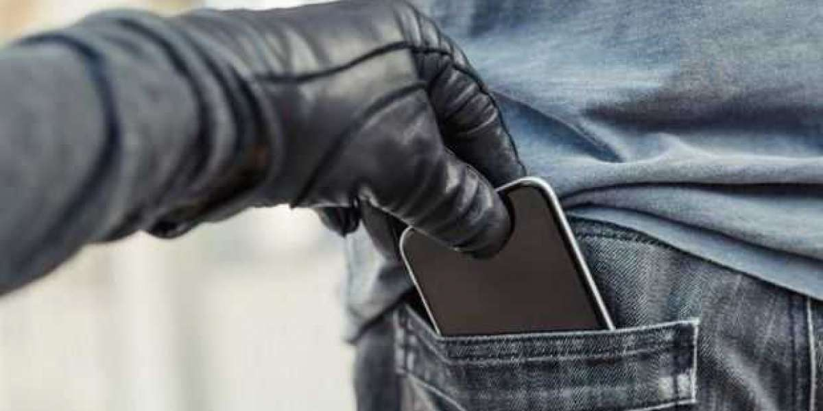 Consumers warned of phone theft trend criminals use to access confidential info