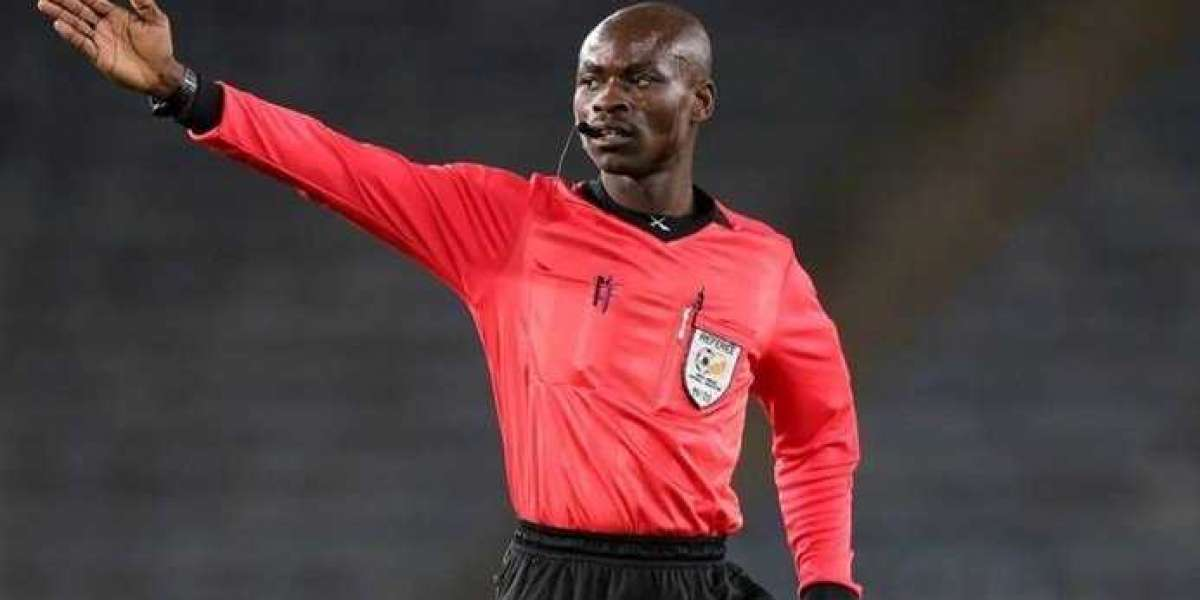 PSL referee banned for awarding Kaizer Chiefs controversial penalty